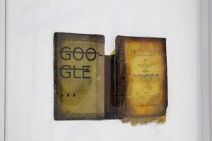 2013-03-06 (159) Google, Lettres vinyle et résine sur livre chiné, 2011, Rero, Collection C Laurier courtesy Backslash Gallery