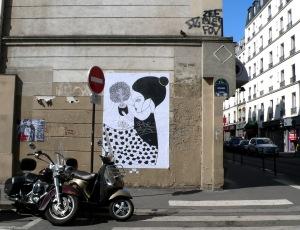 2013-05-04 - chevalier et moustache - rue de la roquette 11e (1)