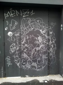 Menz1, Paris 12, rue de Charenton, 2013-05-28  MR