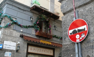 Clet - 2014-08-02  (30) Napoli
